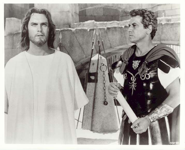King of Kings  Jeffrey Hunter  Ron Randell  Jesus on trial, with Lucius the centurion