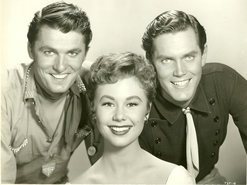 Three Young Texans  Jeffrey Hunter  Mitzi Gaynor  Keefe Brasselle