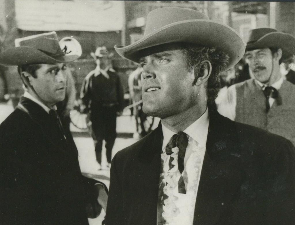 The Christmas Kid  Jeffrey Hunter  Fancy hat, tie, and shirt