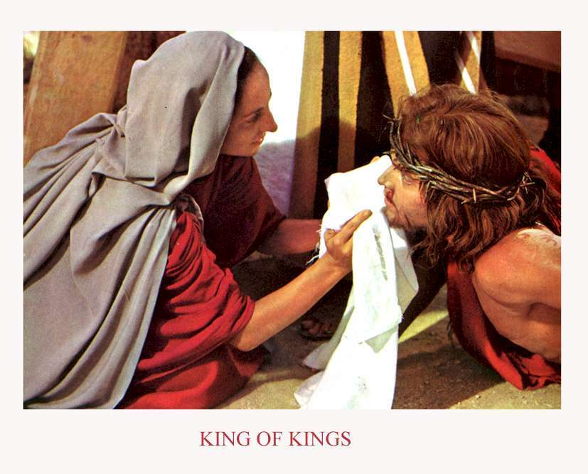King of Kings  Jeffrey Hunter  Jesus on His way to be crucified  Women wipes Jesus' face
