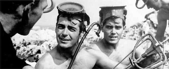 Jeffrey Hunter  Rory Calhoun  snorkeling