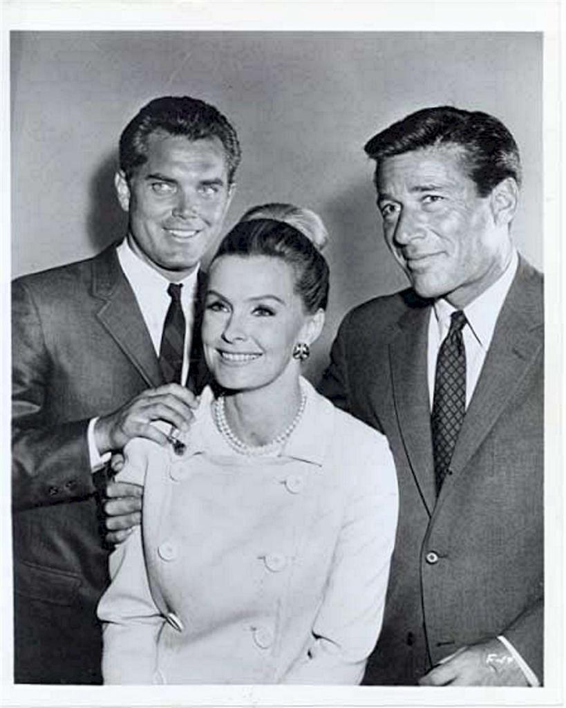 Jeffrey Hunter  The F.B.I.  The Monster  Efrem Zimbalist, Jr.  Dina Merrill